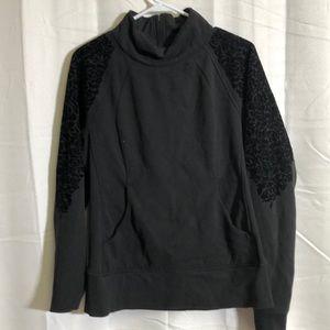 Lululemon Black Sweatshirt size 10